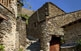 El vescomtat d'Évol fou una jurisdicció del Regne de Mallorca; els carrers del poble menen fins a les ruïnes del castell.