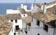 Altea la Vella té l'encant de l'urbanisme típicament mediterrani, de cases blanques i carrers empedrats.