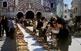 El concurs que busca la millor truita amb suc de l'any se celebra davant del santuari de Loreto d'Ulldemolins.