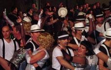 Actuació d'una de les comparses del carnaval de Centelles