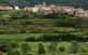 Envoltat de grans paisatges, un poble d'Ademús que ha conservat els trets de la seva arquitectura i estructura típiques.