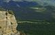 Des de la Roca del Migdia, la dimensió humana s'empetiteix: som davant paisatges immensos amb una natura desbordant.