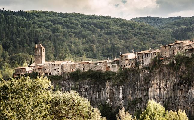 Castellfollit de la Roca, al Parc Natural de la Zona Volcànica de la Garrotxa