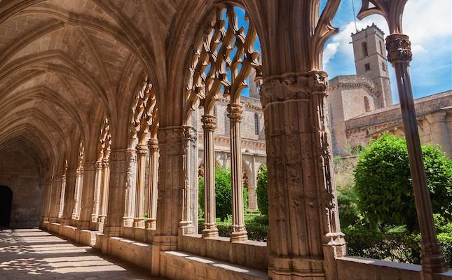 El claustre del Reial Monestir de Santes Creus, a Aiguamúrcia