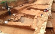 Algunes de les restes romanes trobades al lateral de l'autopista, a Badalona