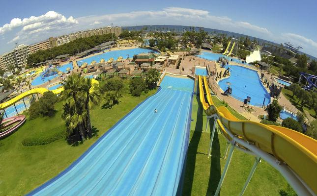 Tobogan del parc aquàtic Aquopolis Costa Daurada