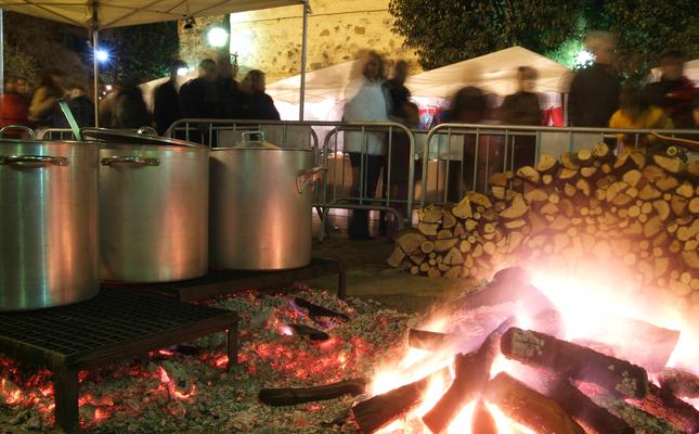 L'escudella de la Fira de Nadal és una de les tradicions de la Fira de Nadal i del Torró Artesà de Cardedeu