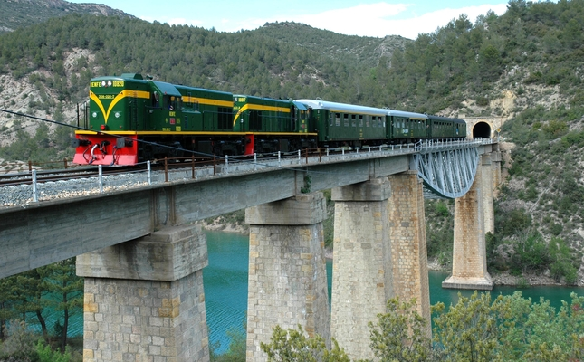 Tren dels Llacs