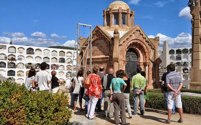 Al cementiri de Canet de Mar hi ha obres de Lluís Domènech i Montaner