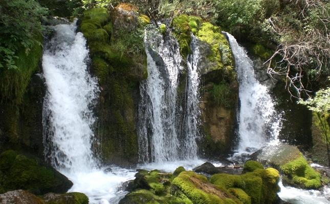 Salts d'aigua a la Vall del Bastareny