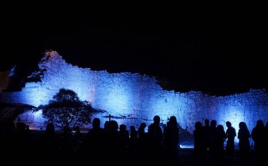 Castell d'Olèrdola de nit