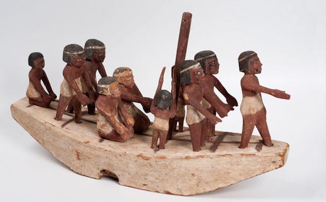 Una barca funerària egípcia que es pot veure al Museu de Montserrat