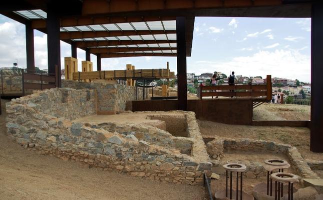 El Centre Enoturístic i Arqueològic de Vallmora