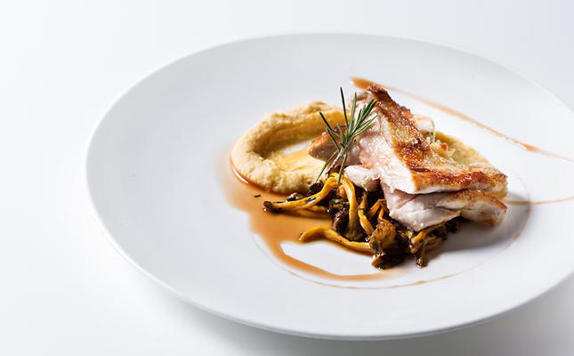 Pit de gall negre del Penedès amb xarel·lo, un plat que podreu tastar al 'Vilafranca Ve de Gust!'