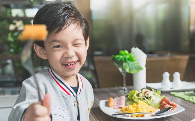 Xics gastronòmics vol conscienciar sobre l'alimentació infantil