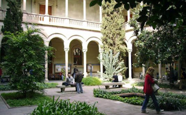 Pati interior de la Universitat de Barcelona