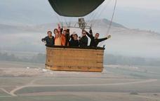 Per l'aire amb globus, parapent o en caiguda lliure