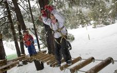 Parc d'aventura als arbres a l'estació de La Molina