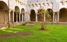 Claustre del monestir de Sant Pere de Galligants