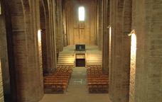 L'interior de la col·legiata de Sant Vicenç de Cardona