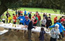Esmorzar de forquilla amb els participants de la Cursa de l'Aplec de Sant Mart�