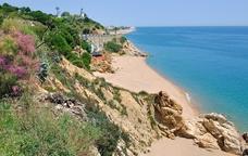 La platja i el far de Calella
