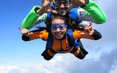 Salt en paracaigudes amb Skydive BCN