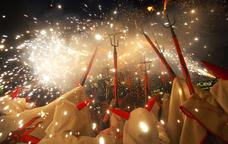 Diables de Vilafranca durant l'encesa a la Festa Major
