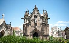 Panteo? neogòtic del arquitecte Josep Oriol Mestres Esplugas