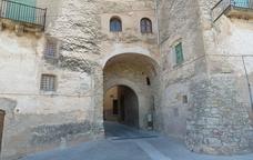 Muralles i portals a Tivissa