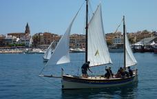 Un dels velers que participen al Palam�s Terra de Mar