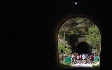 Per la Via Verda d�Alcoi i el Parc Natural de la Font Roja