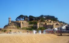 La Vila Vella de Tossa de Mar, vista des del passeig Marítim