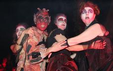 Representació a l'Embruix, la Festa de les Bruixes de Sant Hilari Sacalm