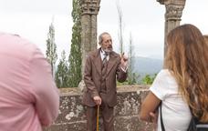 Un actor interpreta el diplomàtic i egiptòleg Eduard Toda