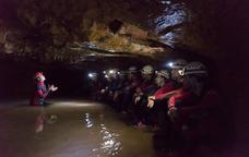Ruta d'aventura a la cova de l'Espluga de Francol�