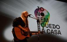 La cantant Maria Jacobs va actuar a la presentació del festival