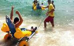 Cadires amfíbies a la platja de Calonge