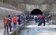 Caminada insòlita pel túnel de Montclar