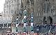 Actuació castellera durant la Festa Major de la Sagrada Família