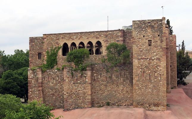 Qui va ser el responsable que el castell de Vallparadís passés a mans de l'orde religiós de la cartoixa d'Escaladei?