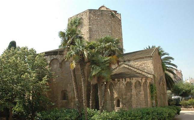 A quin barri de Barcelona trobem l'església romànica de Sant Pau del Camp?