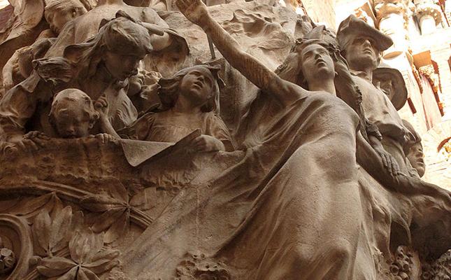 El conjunt escultòric 'La cançó popular catalana' del Palau de la Música és obra de?