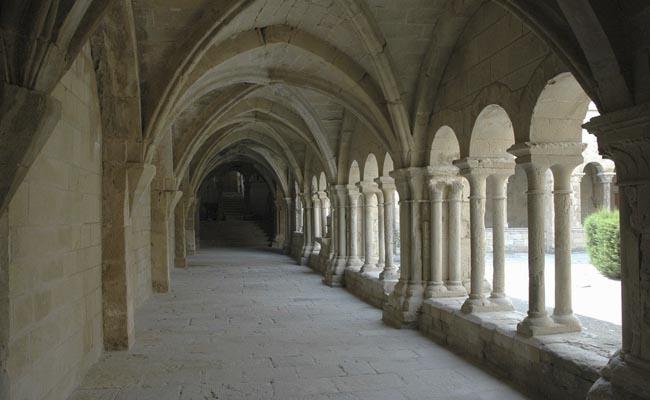 Quin és el monestir cistercenc femení més important de Catalunya?