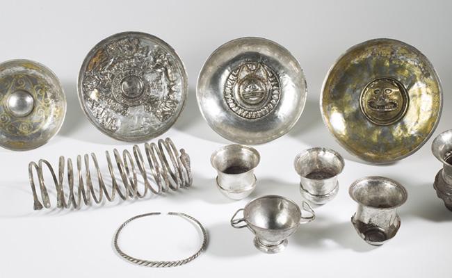 L'anomenat Tresor de Tivissa va ser una troballa del poblat ibèric de ?
