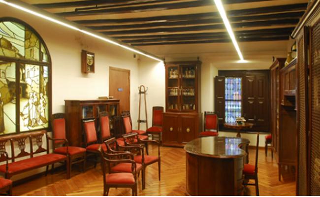 Qui va impulsar la primera biblioteca per a dones a Catalunya, la primera també de tot Europa?