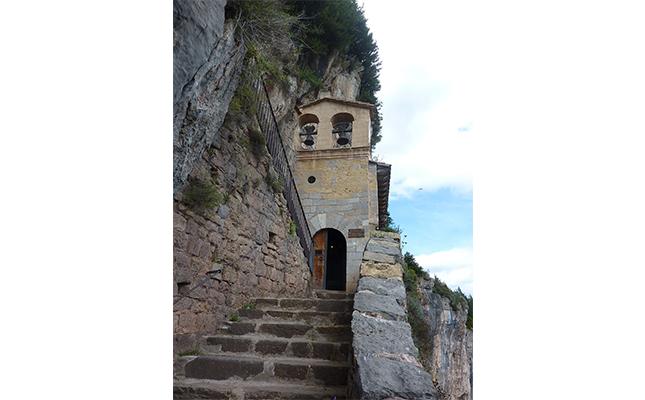 On es conserven els dos laterals d'altar del santuari de Mogrony?