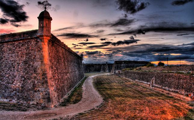 A la guerra del Francès, el castell de Sant Ferran de Figueres va ser escenari de la mort de?