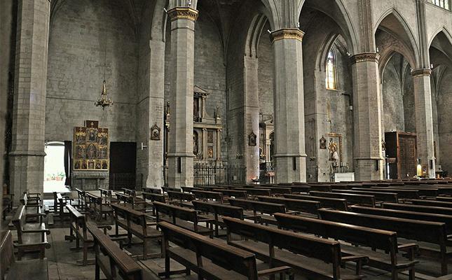 Quina d'aquestes dues construccions gòtiques no va ser projectada per Berenguer de Montagut?