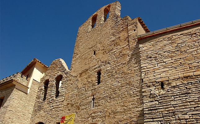 Des del sud de la vila medieval de Santa Pau s'estén?